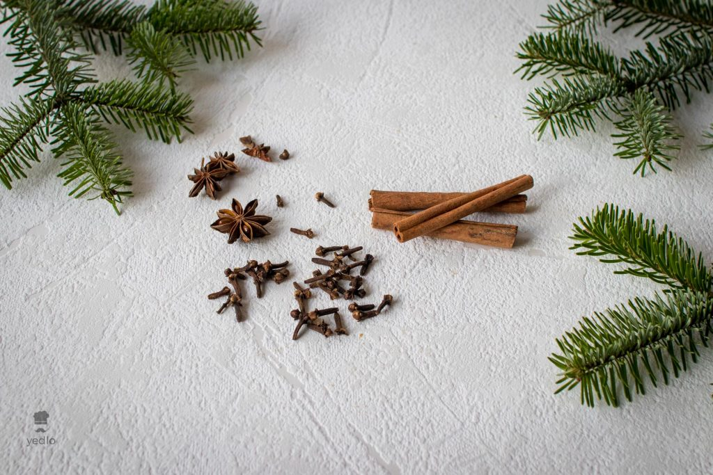 Skorica, klinceky a badian koreniny ktore su vhodne na zazvorniky.